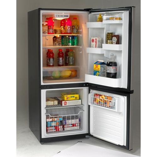 Avanti - Bottom Mount Frost Free Freezer / Refrigerator