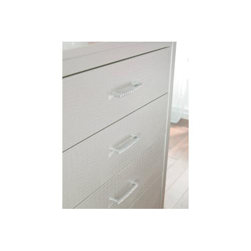 B560 Five Drawer Chest (Olivet)