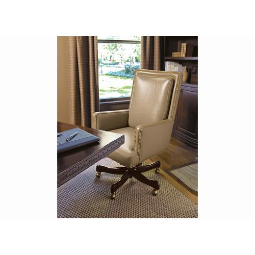 Amato Swivel Tilt Pneumatic Lift Chair