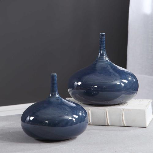 Zayan Vases, S/2