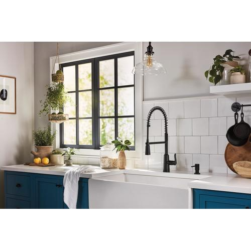 Product Image - Edwyn Matte Black One-Handle Pre-Rinse Spring Pulldown Kitchen Faucet