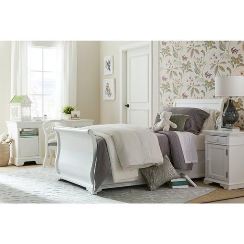 Teaberry Lane Stardust Twin Sleigh Bed