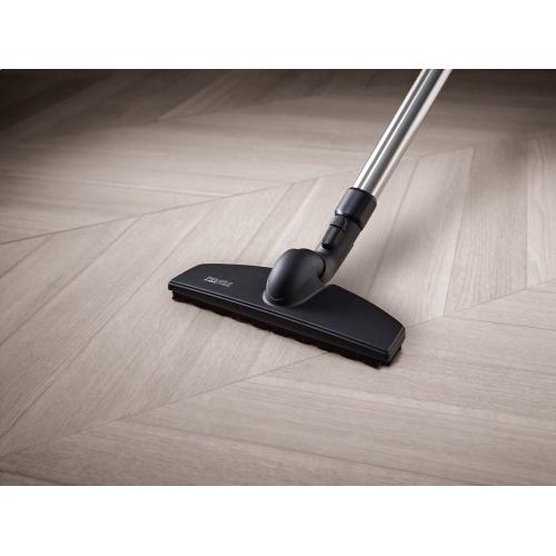 SBB 300-3 PQ Twister SwivelNeck parquet floorhead for gentle and effortless cleaning of sensitive hard floors.