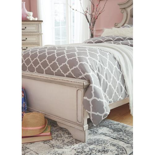 Realyn Twin Panel Bed