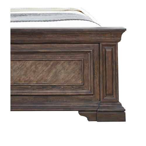 Pulaski Furniture - Bedford Heights King / California King Panel Bed Footboard and Slats in Estate Brown