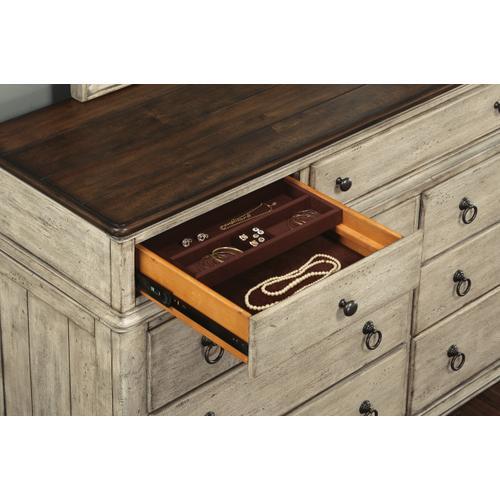 Flexsteel - Plymouth Dresser