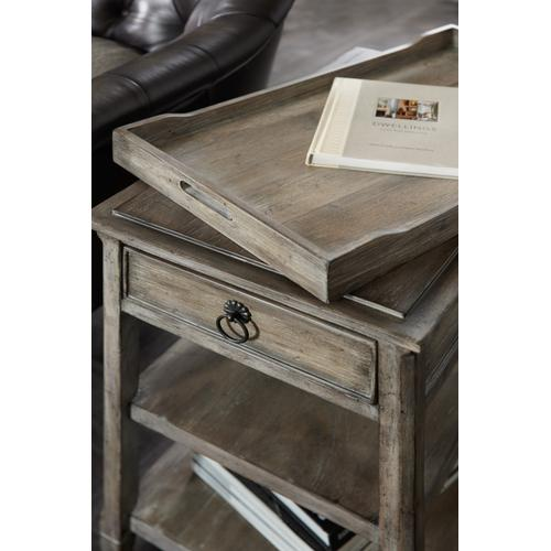 Modele Chairside Table