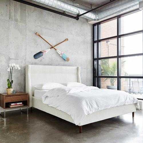 Carmichael Bed Thea Moonstone / King