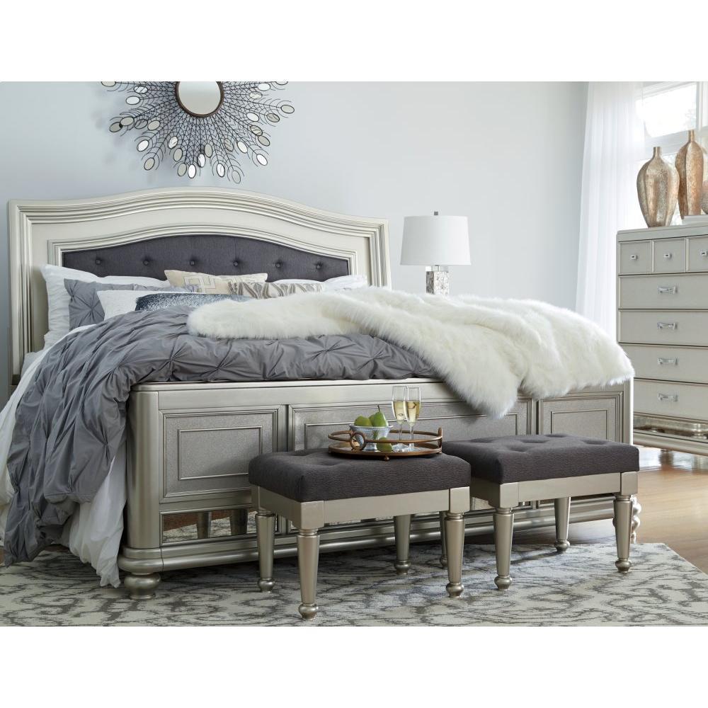 Coralayne Queen Panel Bed