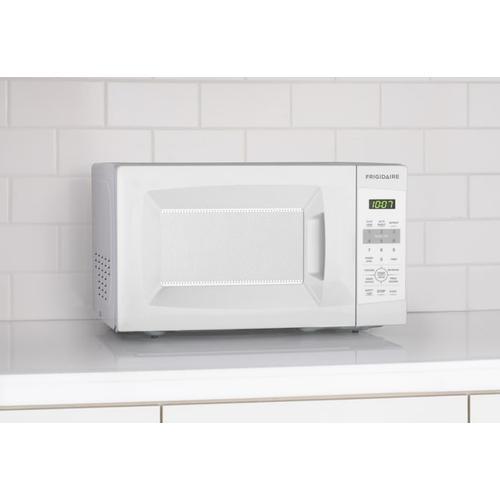 Gallery - Frigidaire 0.7 Cu. Ft. Countertop Microwave