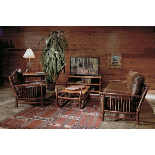 JP 747 Craft Lounge Chair