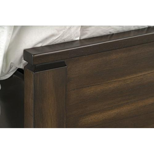 Winchester Tobacco King Panel Bed