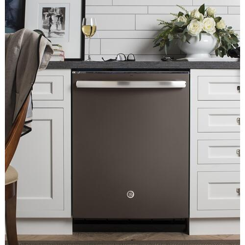 DISPLAY MODEL GE® Stainless Steel Interior Dishwasher with Hidden Controls