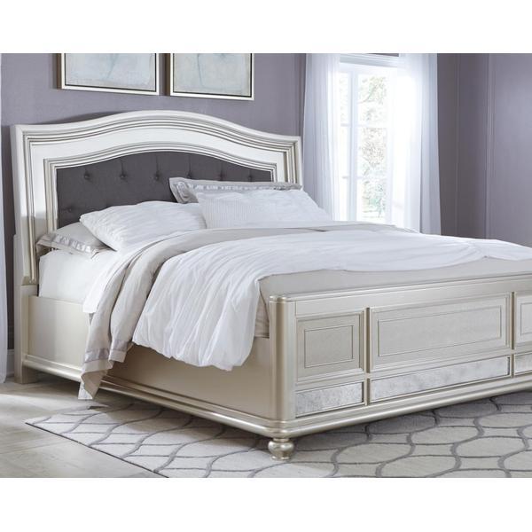 Coralayne King Panel Bed
