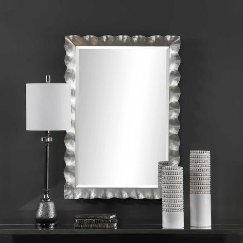 Uttermost - Haya Mirror