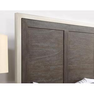 Broomfield Queen Bed