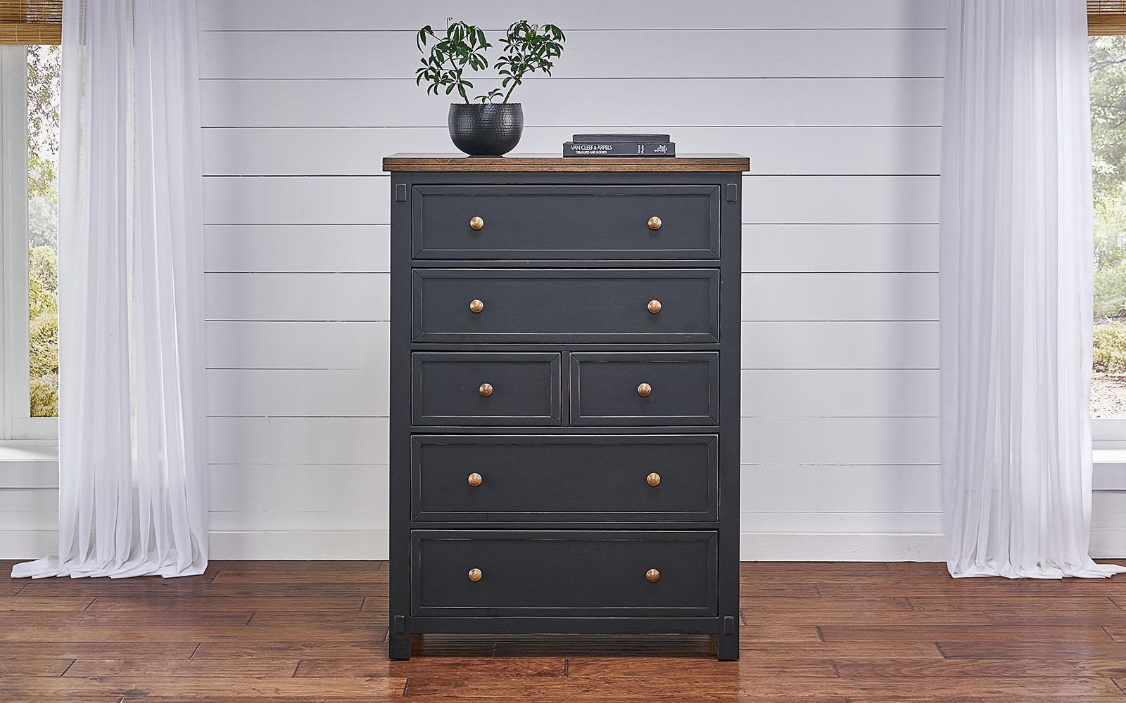 A AmericaStormy Ridge 6 Drawer Dresser
