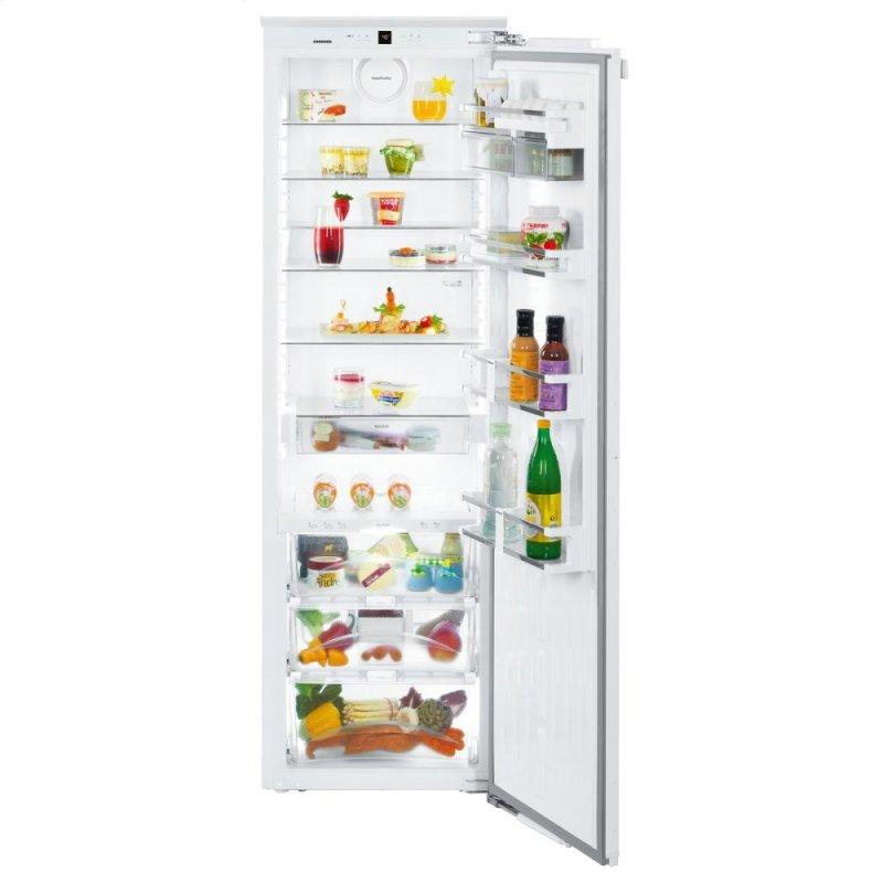 Refrigerator with BioFresh for integrated use