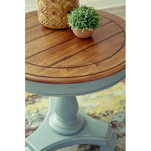 Signature Design By Ashley - Mirimyn Accent Table