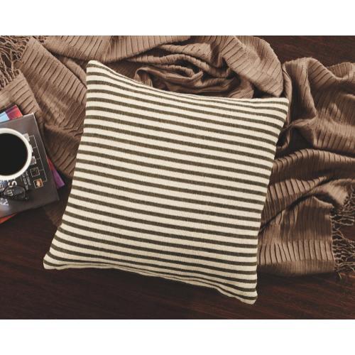 Yates Pillow