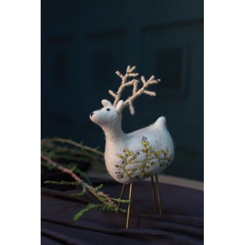 """3.75""""x 2""""x 8.5"""" Razz Reindeer"""