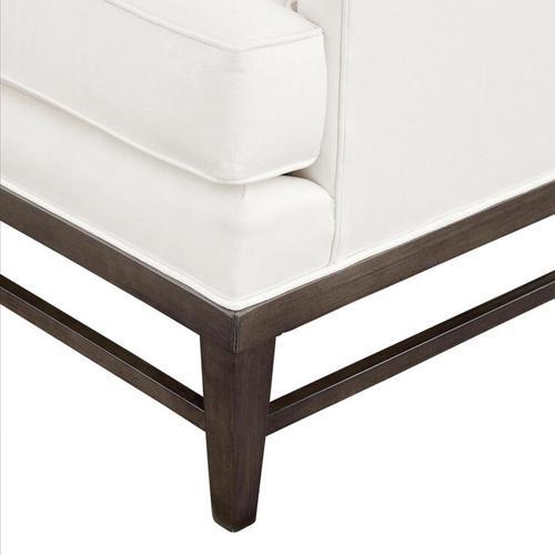 Bev Lounge Chair