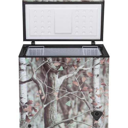 GE Appliances - GE® 7.0 Cu. Ft. Camouflage Manual Defrost Chest Freezer