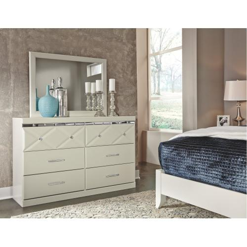 Dreamur Dresser and Mirror