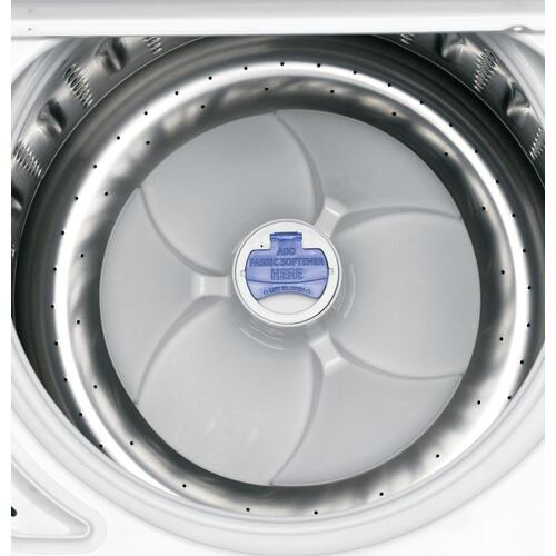 GE® 4.0 DOE cu. ft. stainless steel capacity washer