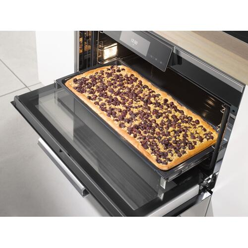 HFC 92 - Original Miele FlexiClip fully telescopic runners For flexible, customized use of your oven.