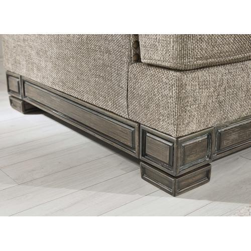 Einsgrove Sofa