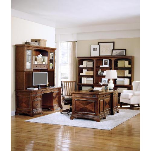 """Aspen Furniture - 66"""" Curved Exec Desk"""