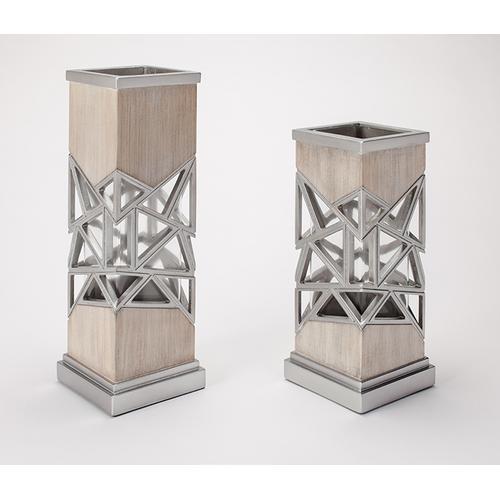"""Vase 7x7x20.5"""""""