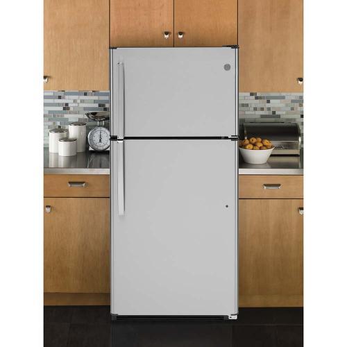 GE Appliances Canada - GE® Energy Star 18 Cu. Ft. Top-Freezer Refrigerator Stainless Steel - GTE18FSLKSS