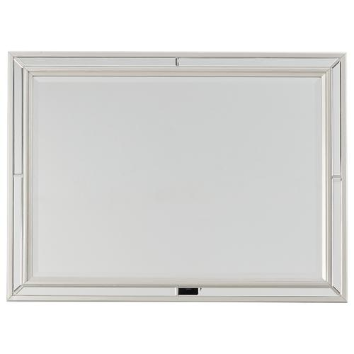 Signature Design By Ashley - Lindenfield Bedroom Mirror