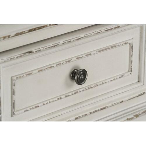 Standard Furniture - Stevenson Manor 6-Drawer Chest, Distressed White