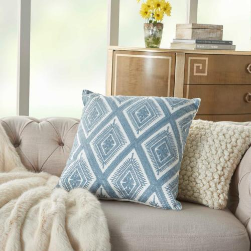 "Life Styles L1022 Ocean 18"" X 18"" Throw Pillow"
