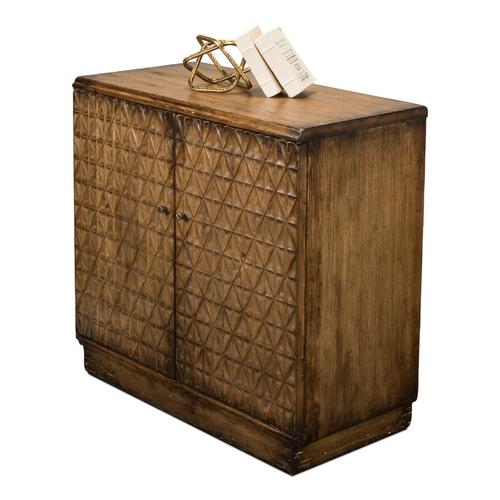 Small Entrance Commode