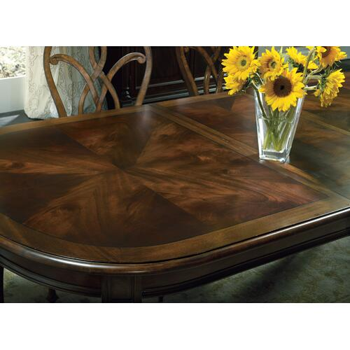 Leesburg Leg Table with Two 18'' Leaves