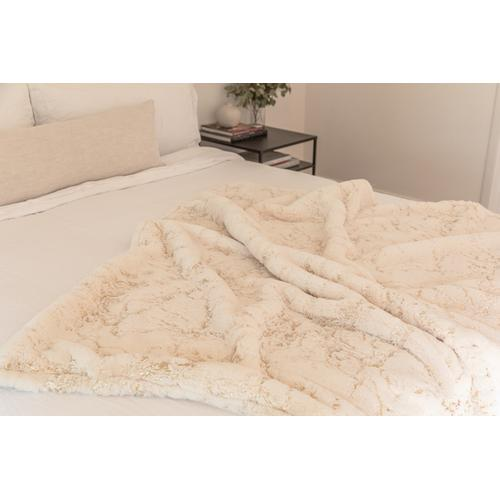 """Rug Factory Plus - Metallica Throw Collection - 50"""" x 60"""" / White Scattered / 100% Polyester, Machine Made, Made in China"""
