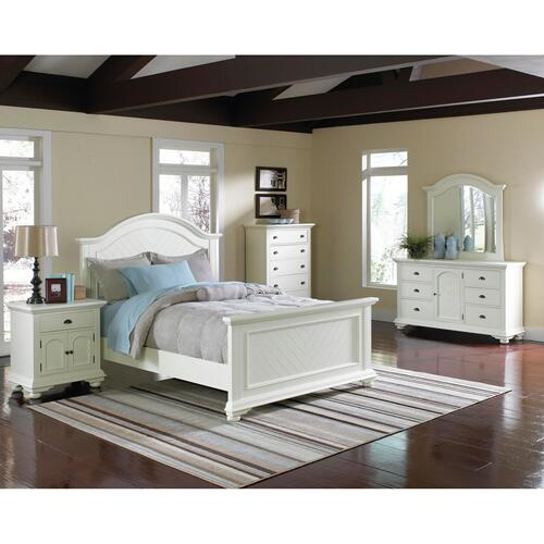 Brookpine White Queen Panel Bed