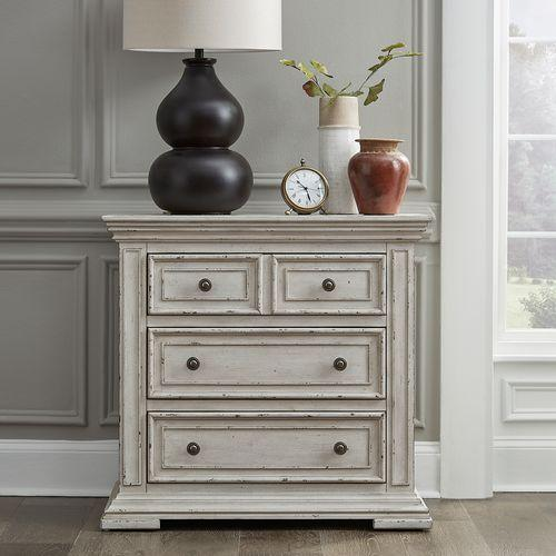 Liberty Furniture Industries - Bedside Chest w/ Charging Station