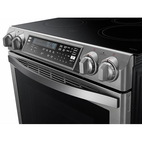 Samsung - 5.8 cu. ft. Slide-In Induction Chef Collection Range with Flex Duo™ Oven