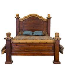 Queen Nogal/Walnut Don Carlos Bed