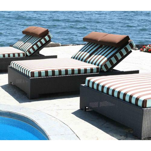 Chorus Outdoor Daybed
