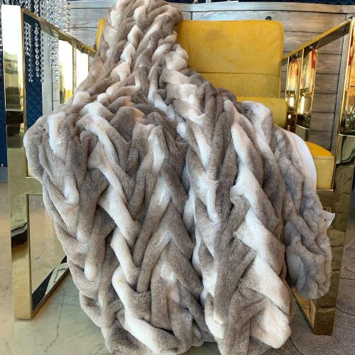 """Soft Heavy Faux Fur Loufie Throw by Rug Factory Plus - 50"""" x 60"""" / Two-tone Silver"""