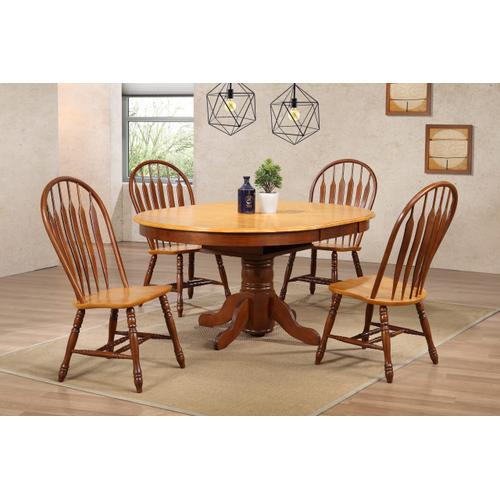 Pedestal Dining Table w/Butterfly Top - Nutmeg with Light Oak Finish
