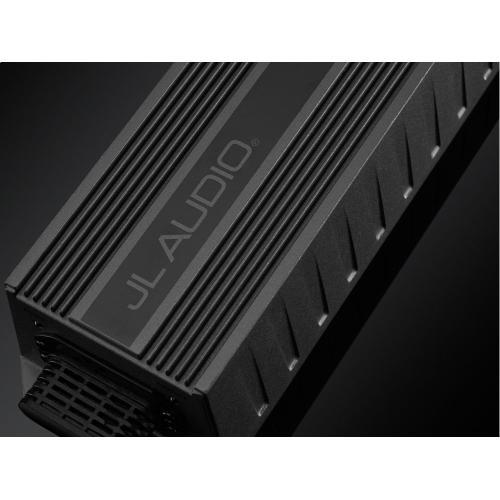 Monoblock Class D Wide-Range Amplifier, 300 W