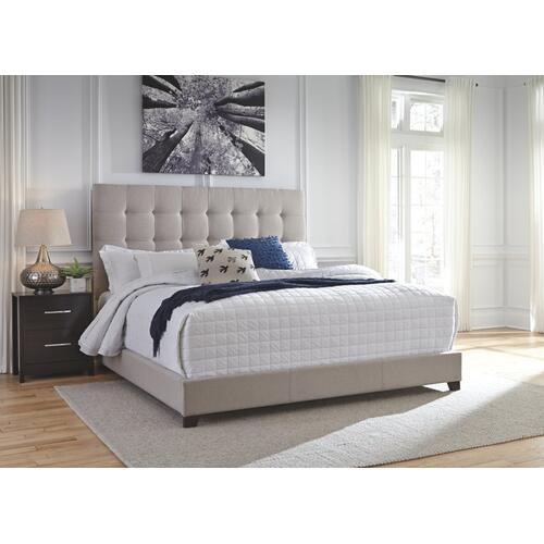 Dolante King Upholstered Bed