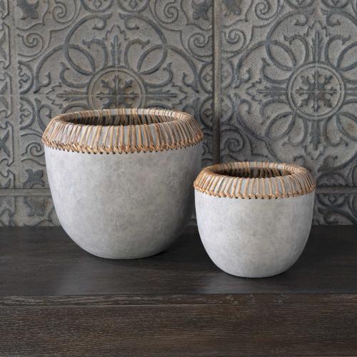 Aponi Bowls, S/2